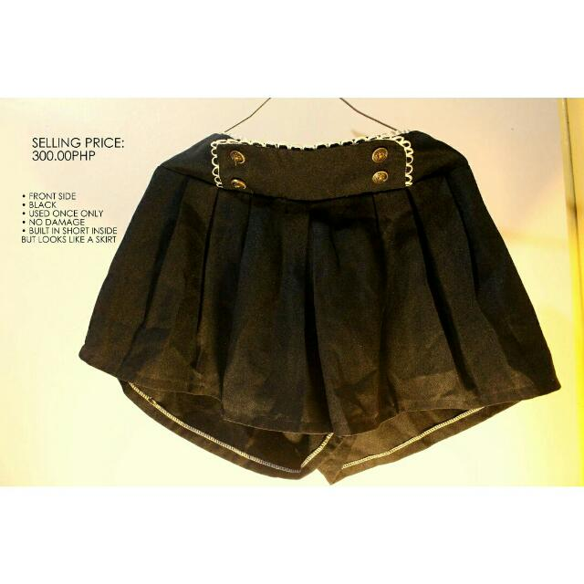 Black Short (SALE)
