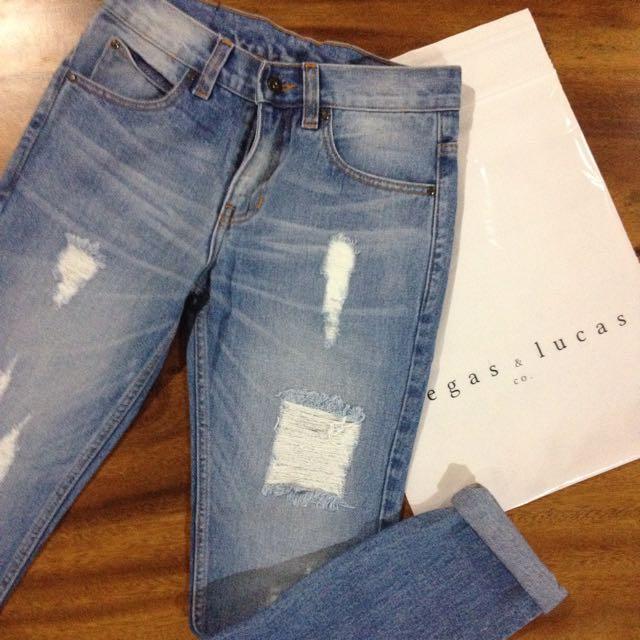 """""""Boyfriend"""" Jeans By V&LCO."""