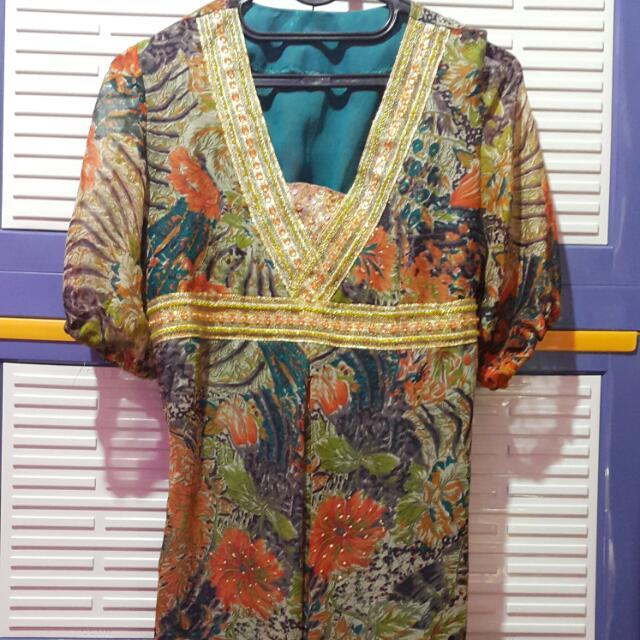 Dress Panjang Abstrak