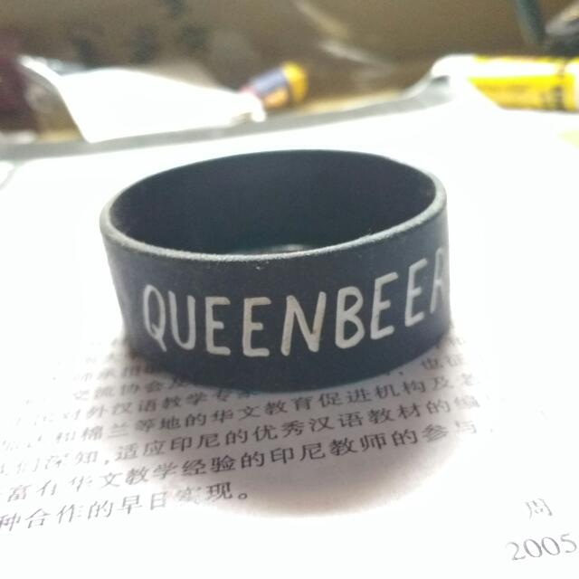 Gelang Queen Beer Glow In The Dark