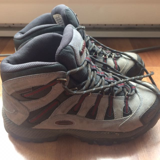 Hiking Boots/shoes Size 7 US/38 UK