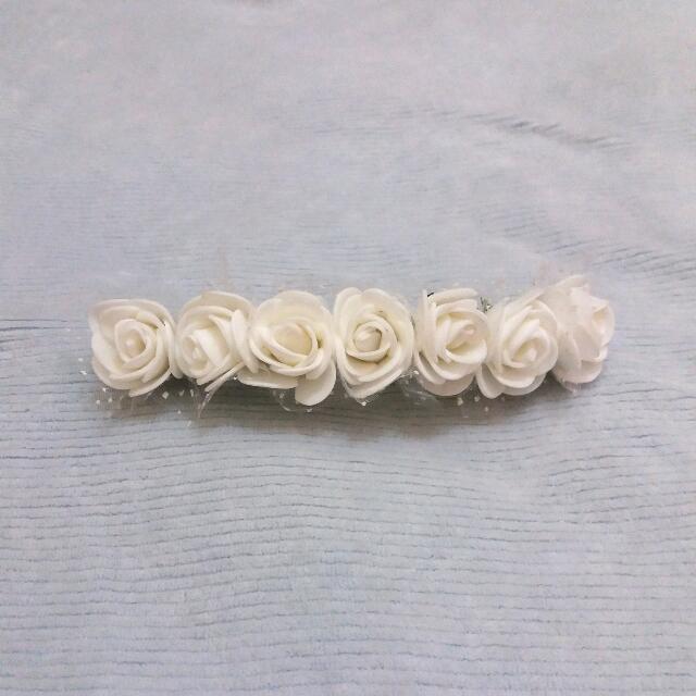 Jepit Bunga Putih