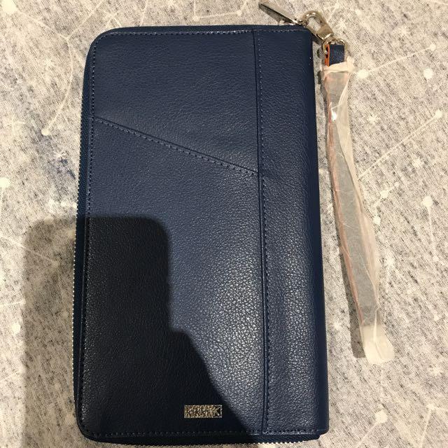 Kikki K Zip-Up Travel Wallet