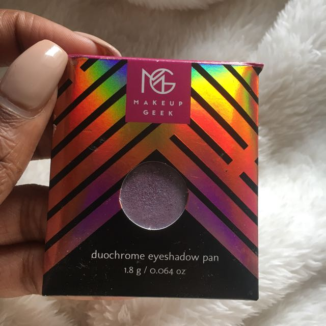 Makeup Geek Duo Chrome Eyeshadow in Blacklight