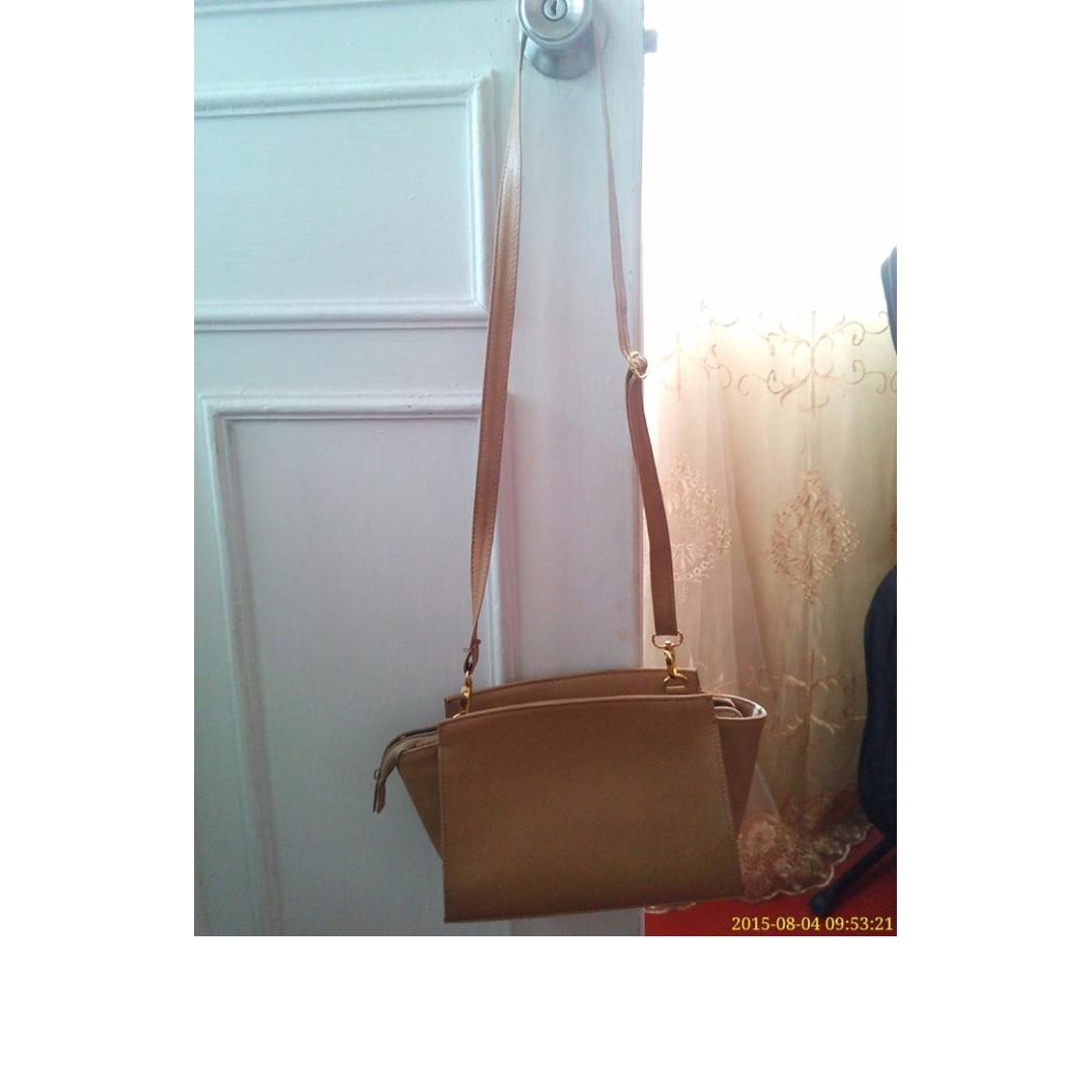 Marga Sling Bag