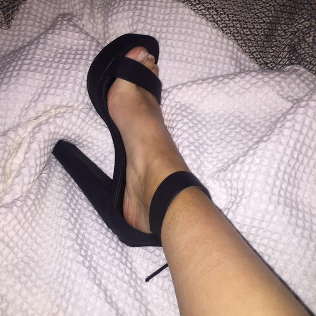 Never worn black heels