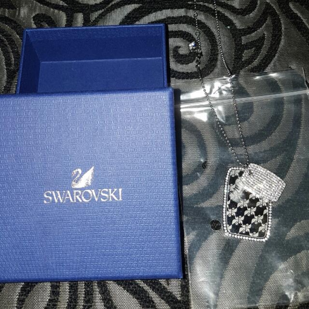 NEW SWAROVSKI Necklace Valued $200+