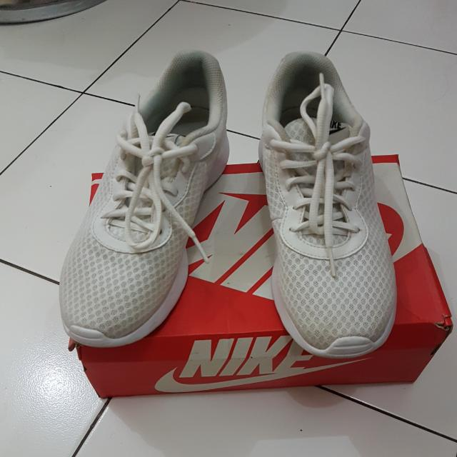 Nike Tanjun White (Women)