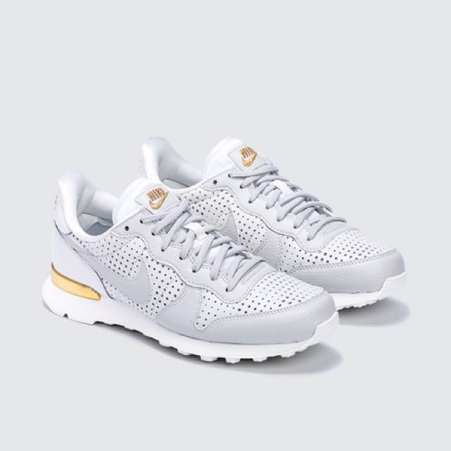 Nike W Internationalist SE PRM