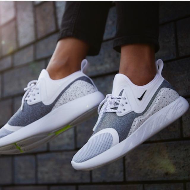 Nike W  Lunarcharge Essential