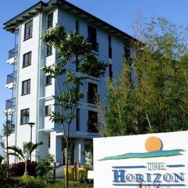 Penthouse unit for sale Horizon Condominiums Highlands Country Club