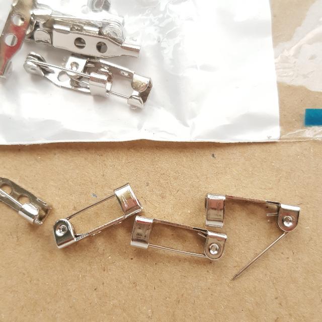 Brooch Pin . Craft Lover . Value Buy . in Pack . 10pcs . New