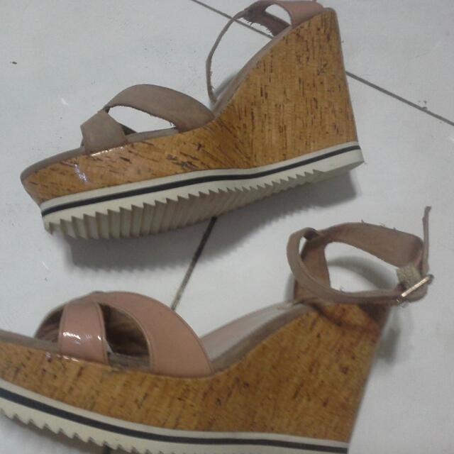 #clearancesale#Preloved Gosh Wedges Shoes (Sepatu Wedges Gosh) Tinggi 11cm Size 39 Sol Karet Nyaman Enak G Selip Mantab