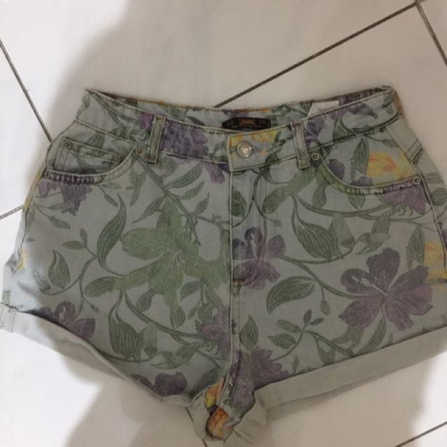 Pull And Bear Flower Hotpants