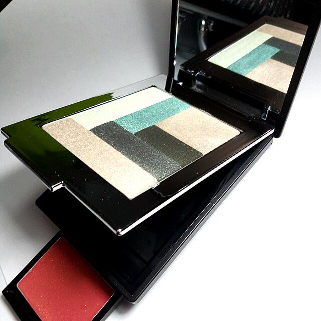 Quo Eye & Lip Makeup Palette Pocket Size