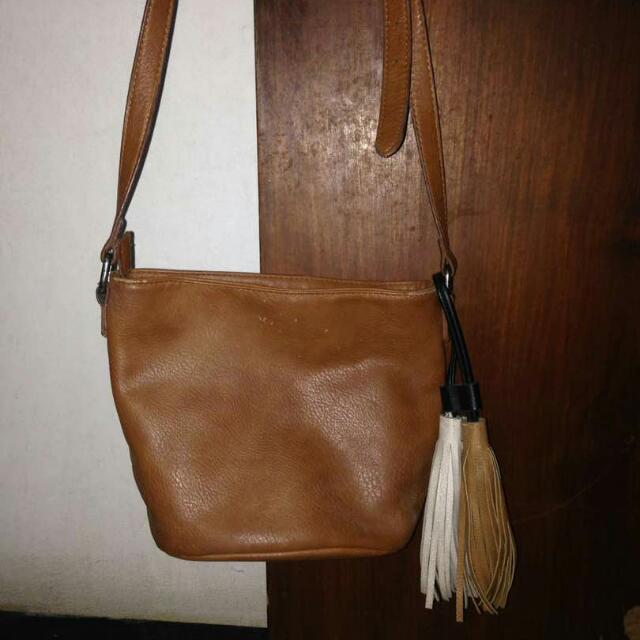 Sling Bag ( Stradivarius )