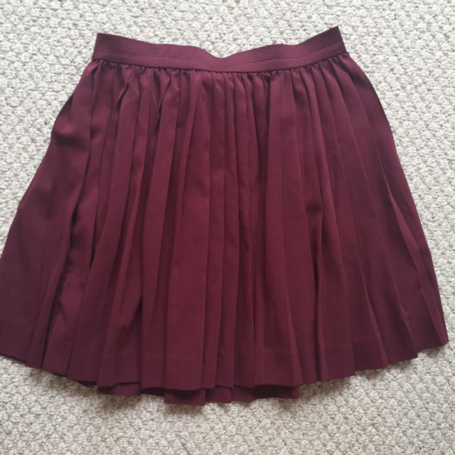 Small Maroon Garage Skirt