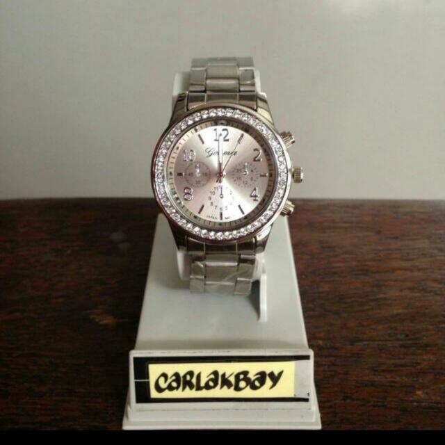 Stock 8: Silver Watch Free Shipping For Metro Manila