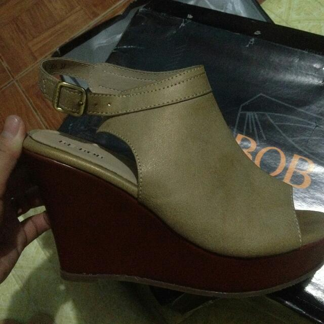 Wedges Size 38