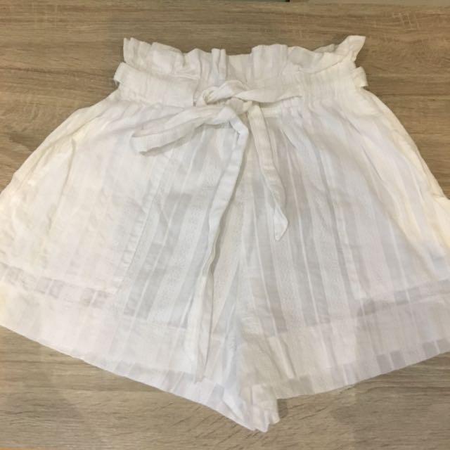 White Beach Shorts With Waist Tie