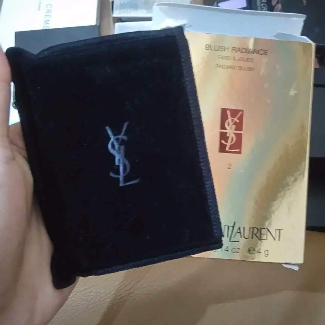 Yves Saint Laurent YSL Blush Radiance ( Peachy )