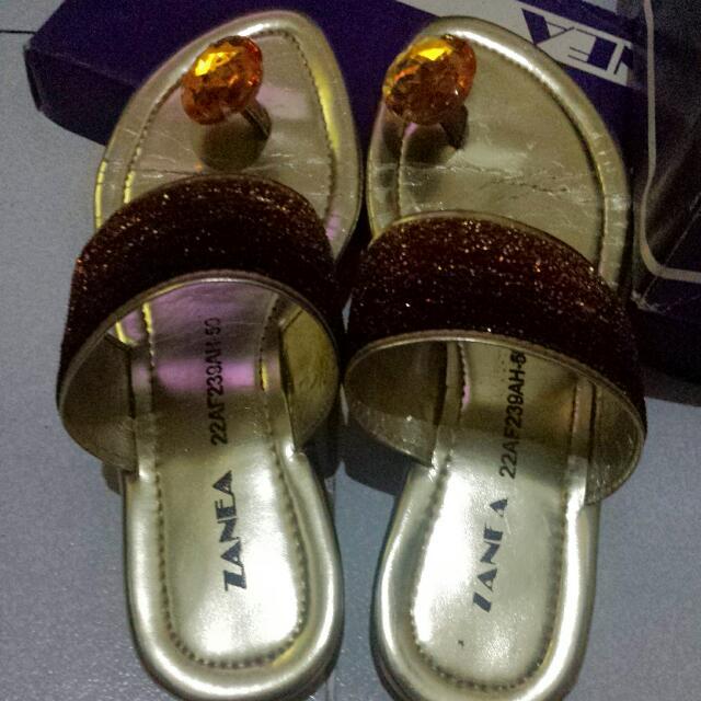 Zanea Gold Sandals