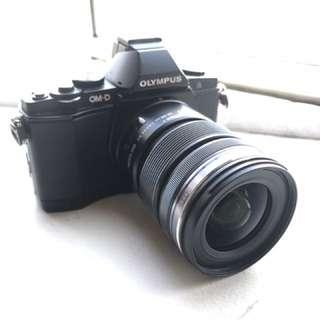 Olympus OMD EM5 with kit lens 12-50mm