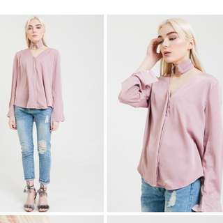 BASIC CHOKER SHIRT IN PINK by HERSPOT