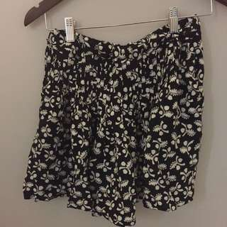Country Rd Black And White Skirt