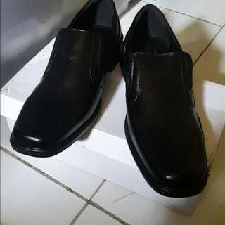 Sepatu Kantor Pantofel