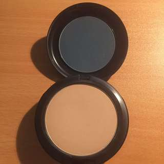 MAC Studio Fix Face Powder NC30