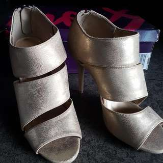 Fioni (From Payless) Heels