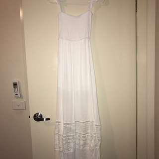 Showpo Size 8 Maxi White Lace Dress