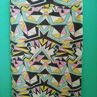 Abstrak Skirt