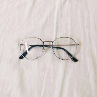 Oversized Thin Framed Spectacles