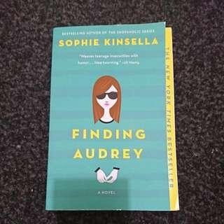 🌟 Sophie Kinsella- Finding Audrey