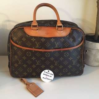 🔥PRICE DROP🔥 Authentic Pre-loved Louis Vuitton Deauville