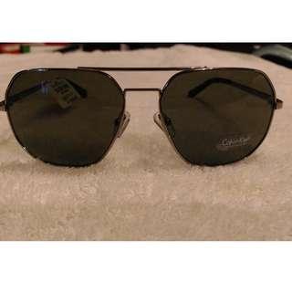 dca92bc51443 CALVIN KLEIN Aviator Style Sunglasses Light Gunmetal Grey BRAND NEW CKR 162s
