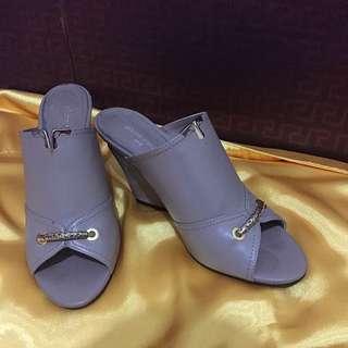 Mocca Pierre Cardin Leather Heels