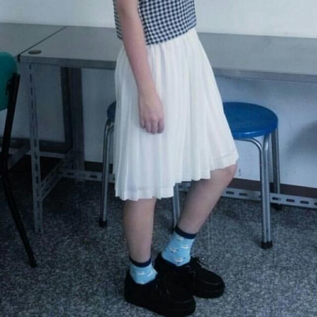 米白雪紡百摺裙