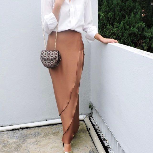 Julie Benz Butt