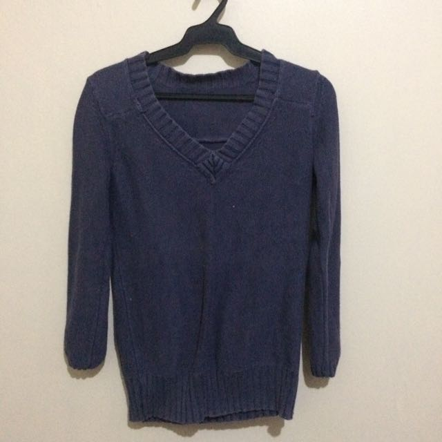 BANANA REPUBLIC  NAVY BLUE KNITTED SWEATER