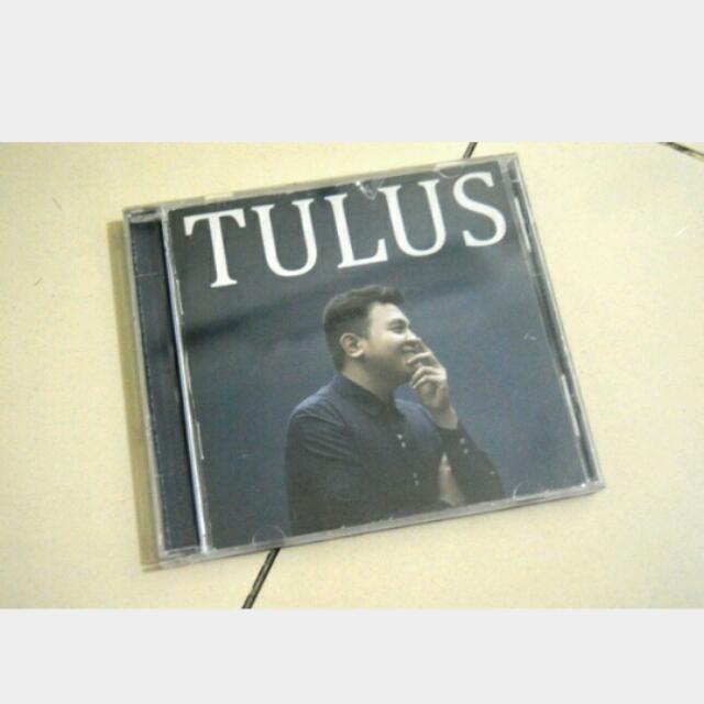 CD TULUS ALBUM GAJAH BERTANDA TANGAN