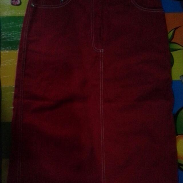 Dress Midi Bahan Jeans Warna Merah Tua Bahan Bagus Merk Rampage