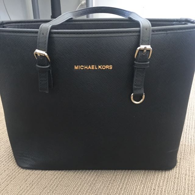 official images best authentic great look Fake Michael Kors Bag, Women's Fashion, Bags & Wallets on ...