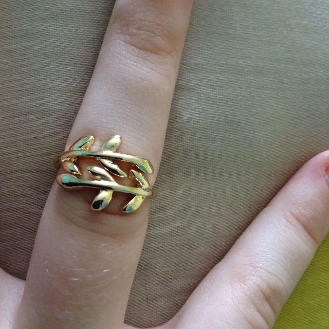 Gold Leaf Branch Ring💍