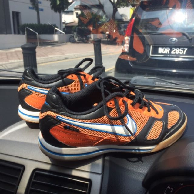 best website 9afd5 074dd Nike Air Gato (Futsal Shoe), Sports, Other on Carousell
