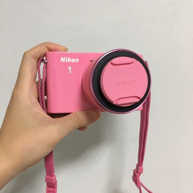粉色Nikon J1