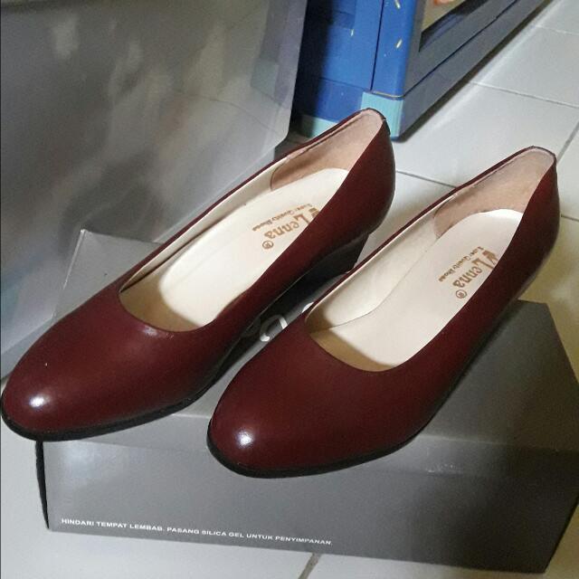 Pantofel Maroon Size 37