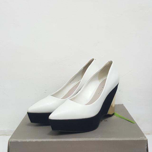 Pointed Wedges - Charles   Keith d30d8596ce